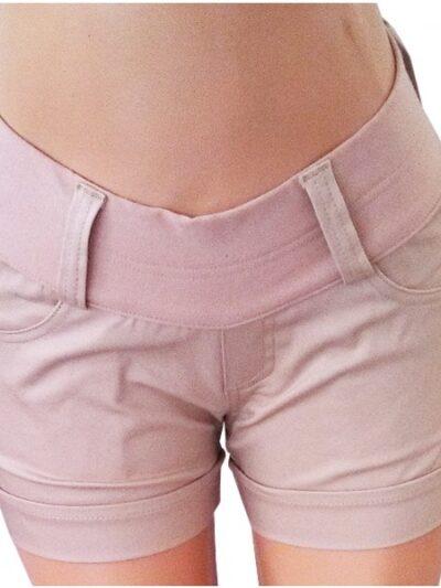 short-embarazada-con-pinzas